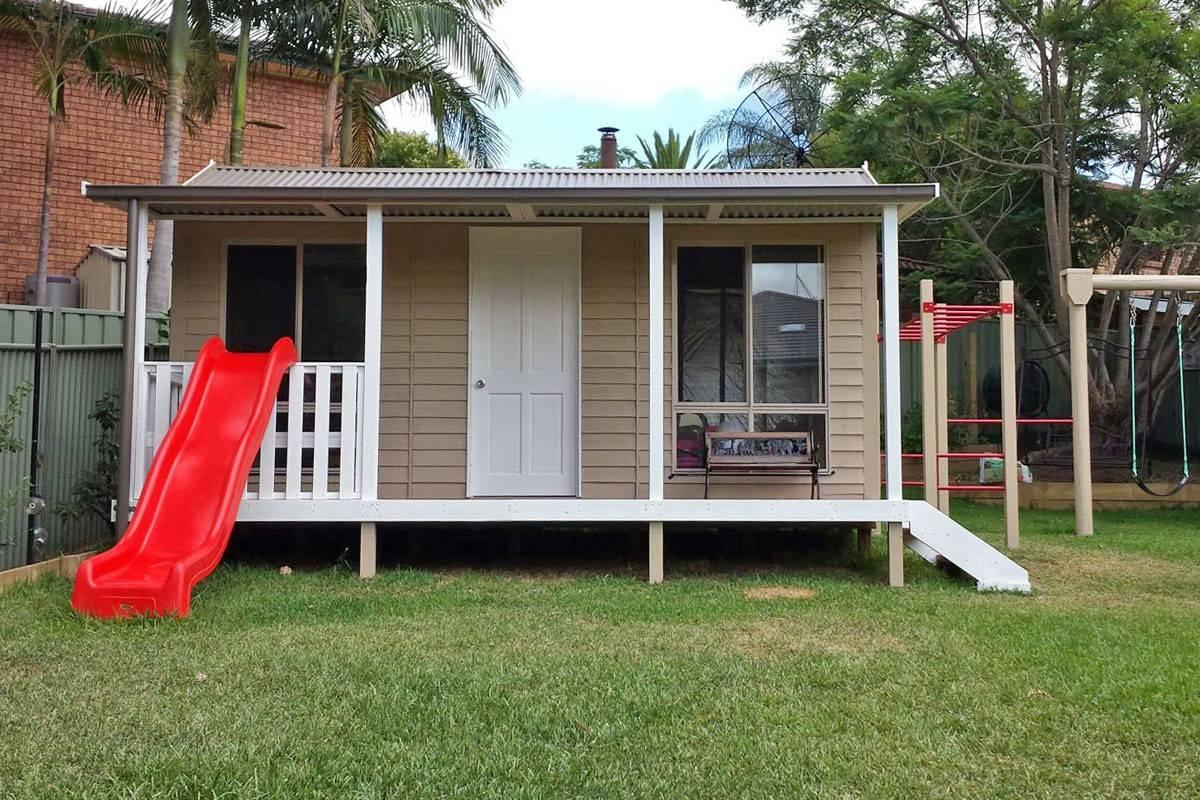 Getaway Studio with Verandah - Solid House Door (included), 2 Extra Large Windows, Balustrade & a Slide!